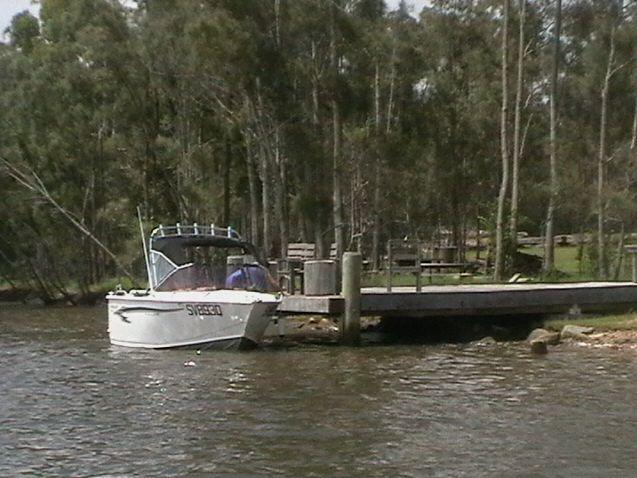 The River Shack - Yamba accommodation - Byron Bay - waterfront property - jetty