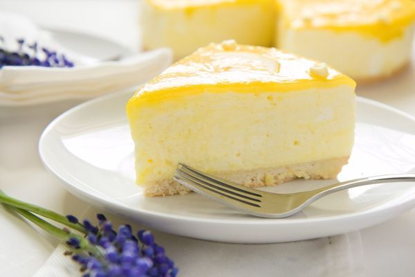 Zesty Sweet Treat: Lemony Lemon Curd Mousse Cake