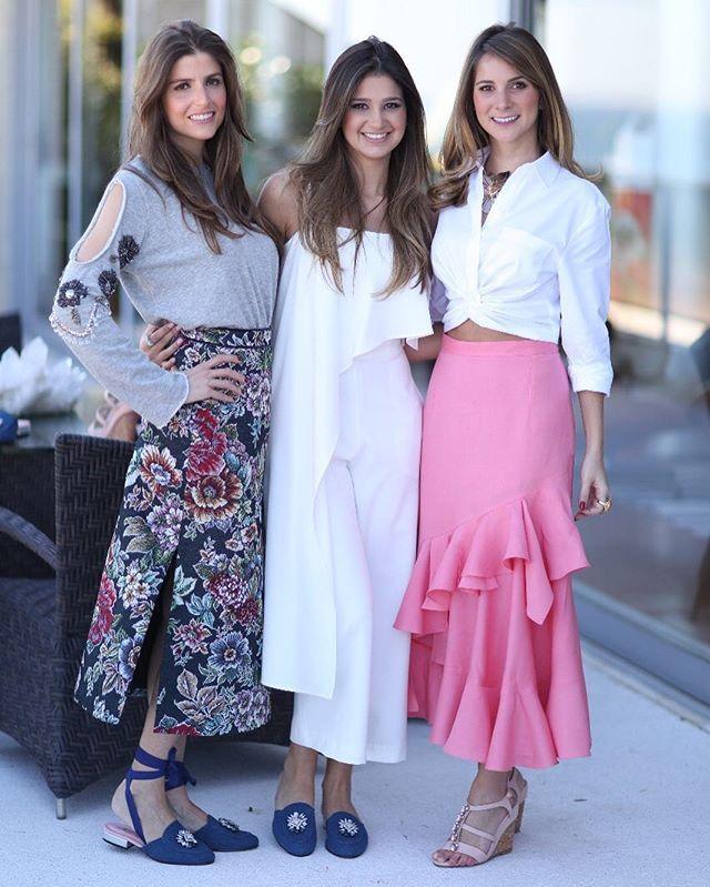 A @not_a_shoe lança hoje dois sapatos que estarão à venda exclusivamente no @shoplixmix: uma anabela nude e um slip on jeans. Na foto a fundadora da marca @anagabrielalage ao lado de @alexiamarini e @tatianarudge sócias do e-commerce.  via L'OFFICIEL BRASIL MAGAZINE INSTAGRAM - Fashion Campaigns  Haute Couture  Advertising  Editorial Photography  Magazine Cover Designs  Supermodels  Runway Models