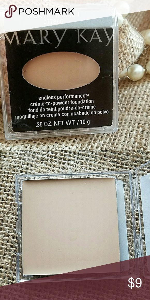 ??MK ENDLESS PERFORMANCE IVORY 1 This cream to powder is fabulous. I purchased to use as full size sampler but never had a client with this skin tone. Is new and never used even as sampler. I cannot go lower on my price but you can make a bundle for more discount Mary Kay Makeup Foundation