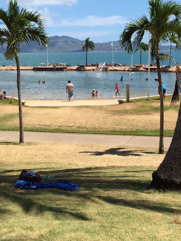 Townsville - Strand Rock Pool