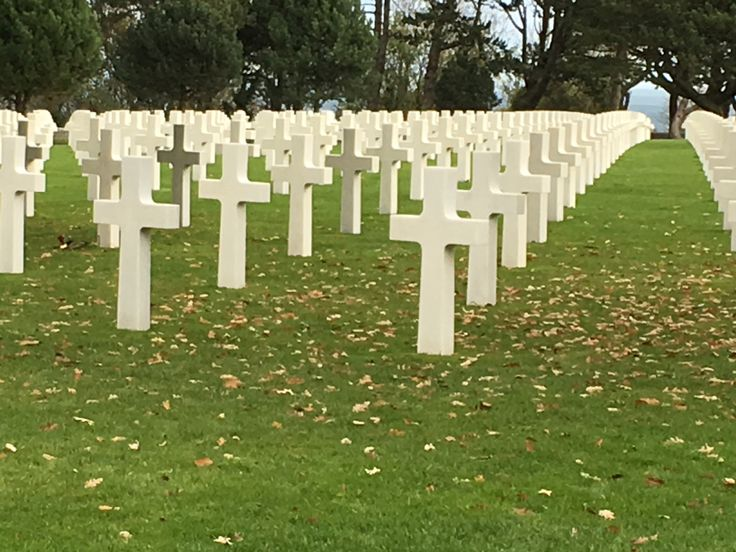 I visited the Normandy American Military Cemetery, a memorial park in Colleville-sur-Mer overlooking the Omaha landing beach.  The graves of US soldierswho gave their lives to free Europe ar…