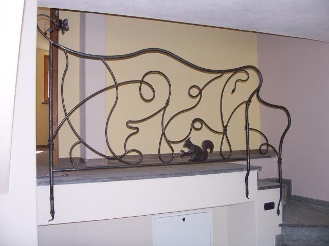 Ringhiere per interni in ferro battuto classico e moderno