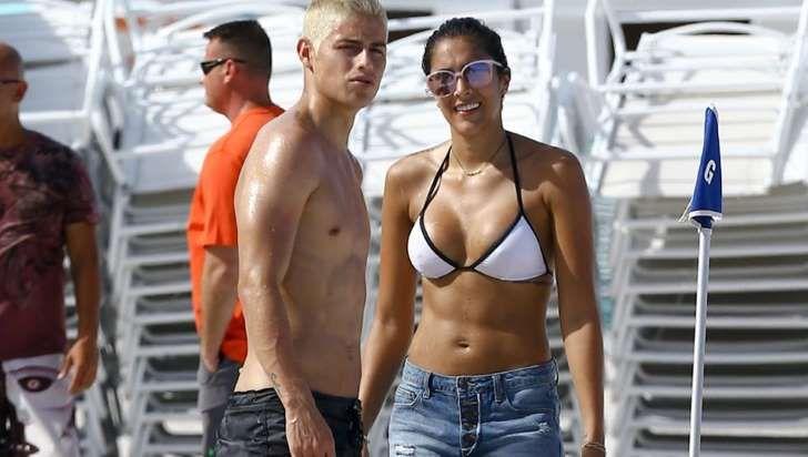 James Rodríguez, teñido de rubio platino, y su mujer, Daniela Ospina, de vacaciones en Miami