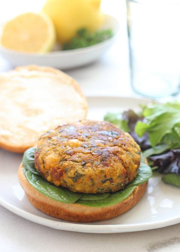 素食地中海鷹嘴豆Burgers-從曬乾的西紅柿,檸檬和菠菜風味爆棚! #plantprotein #cleaneating