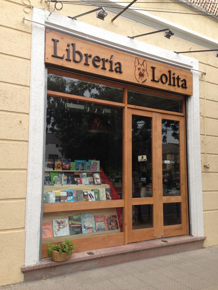 Librería Lolita en República de Cuba con Pocuro, Providencia.