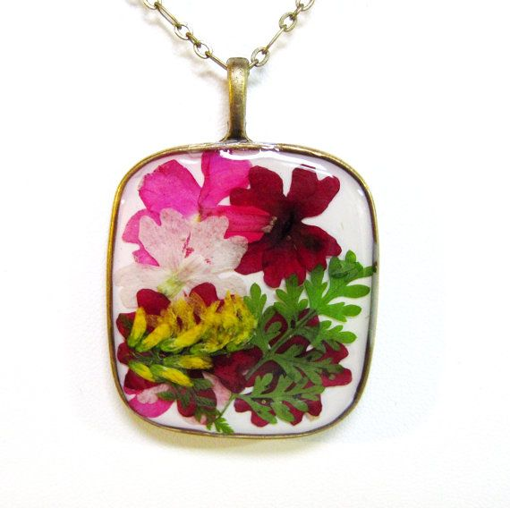 A necklace with real pressed flowers... For when you just can't wait 'til spring!