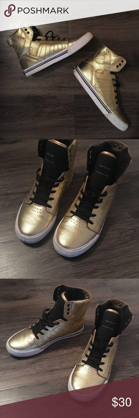 Gold Supra Skytop Muska 001 Kids size 6. Fit a women's 8. Very little wear. Supra Shoes Sneakers