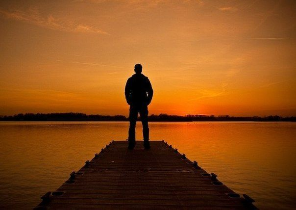 Разум самовосстанавливается, занимается излечением души и врачеванием плоти.  Кто-то говорит: нас лечит время. Нет, всё обстоит не так — нас лечат уединение, сила воли и умение анализировать жизненные события. Мы исцеляем себя сами.