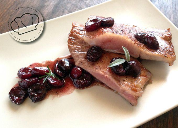 Receta de Secreto Iberico con salsa de vino y cerezas · pepa cooks