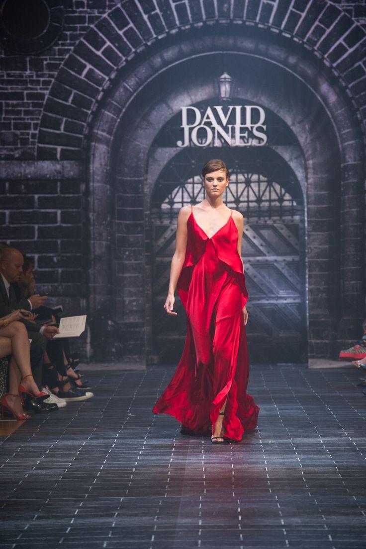 #davidjones #autumn #winter #runway #fashion #michaellosordo