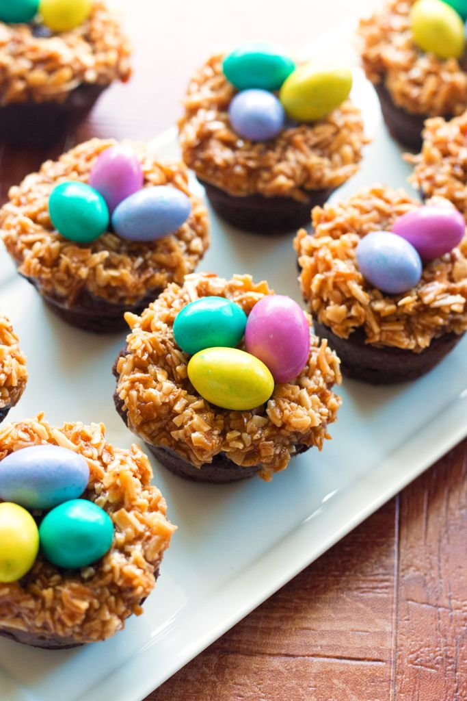 Easter treats that are almost too cute to eat? We love it! Check out some of these adorable ideas to fill your little chef's Easter basket this year. It's a variety of chocolaty, adorable ideas that are easy to pull off with huge results. So sweet