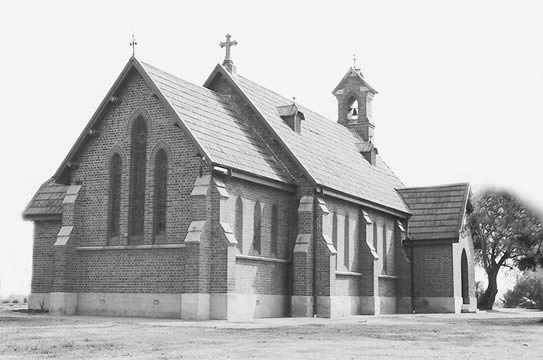 The Old St Thomas Chapel 1A Wilson Crescent, NARELLAN NSW 2567, phone (02) 4648 5680
