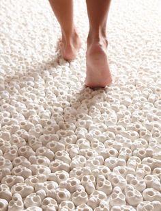 Skull Carpet, Nino Sarabutra
