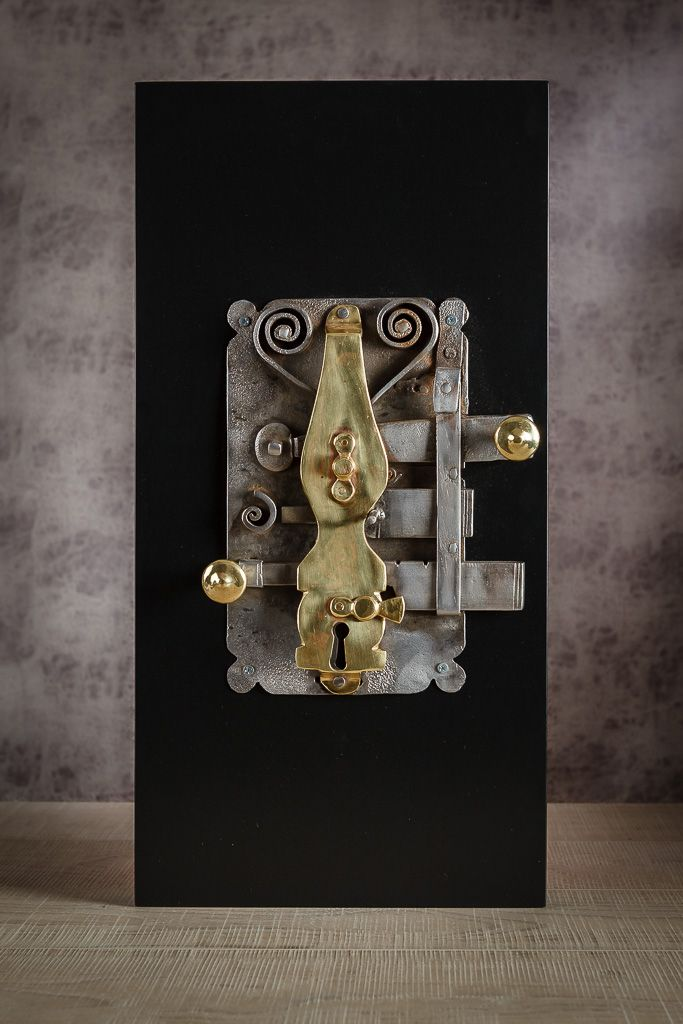 Dot design studio by Irem  old ottoman door lock www.irembonfil.com