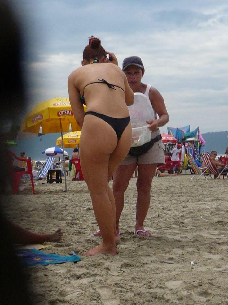 mujeres culonas en tanga en la playa - Chicas en bikini