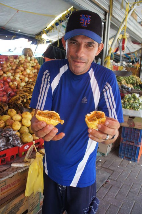 7.5 What To Do in Curacao: Floating Markets in Willemstad | Curacao Travel