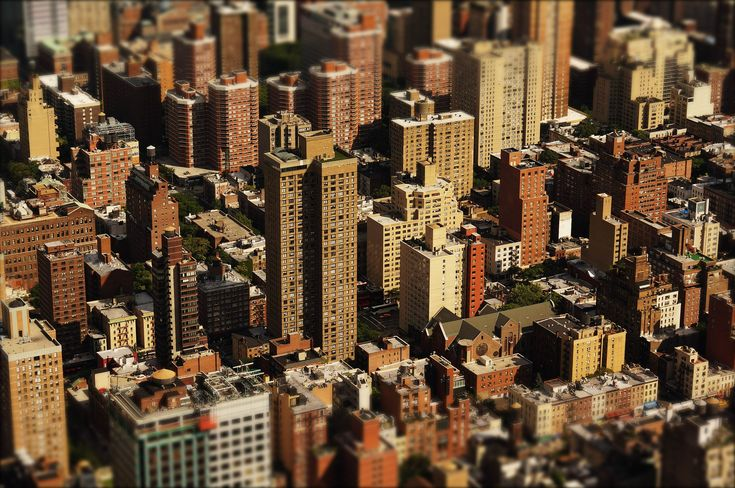 28 Essential Business Lessons from Robert Kiyosaki