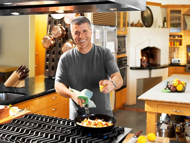 Michael Chiarello 39 S Kitchen A Huge Indoor Gas Grill Stove And A Wood Fired Oven For Pizza
