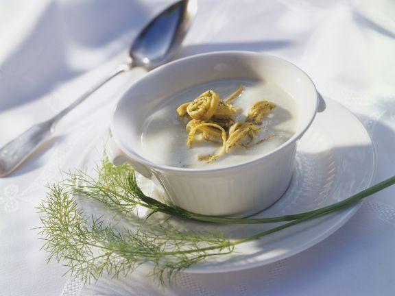 Cremige Fenchelsuppe mit Pfannkuchen ist ein Rezept mit frischen Zutaten aus der Kategorie Pfannkuchen. Probieren Sie dieses und weitere Rezepte von EAT SMARTER!