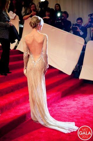 Met Gala red carpet dress STUNNER!!