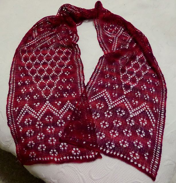 Ravelry: Oriental Impressions Scarf pattern by Sylvie Beez