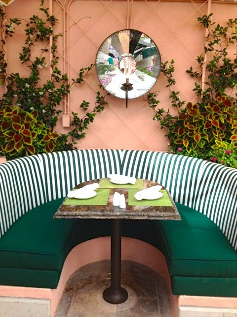 Poolside dining & cabanas at the Beverly Hills Hotel.
