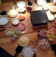 best 25 raclette party ideas on pinterest raclette ideas silvester ideen party and silvester. Black Bedroom Furniture Sets. Home Design Ideas