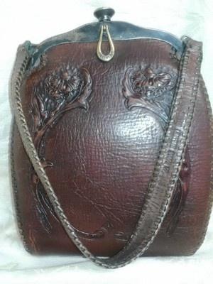 83163c6c25 E bbafc a vintage handbags vintage purses jpg 300x400 Antique leather purses