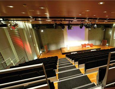 Centre De Conférences Coeur Défense - Centre d'affaires idéal pour l'accueil de congrès professionnels.