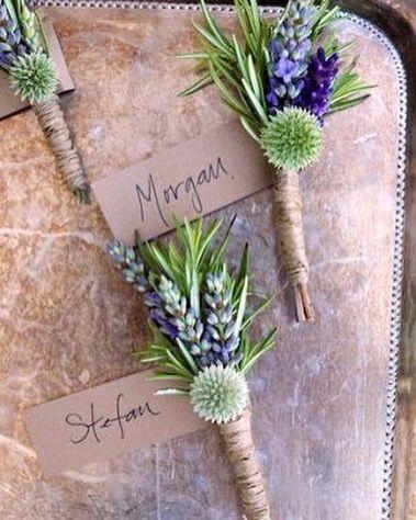 geweldige corsage met lavendel, rozemarijn en een distel!