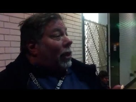 Steve Wozniack, the first in line to get a new iPad § by Engadget (http://www.engadget.com/2012/03/16/steve-wozniak-waiting-in-line/)