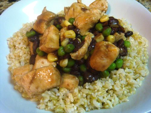 Cuban style chicken, rice and beans Easy easy easy! Use Trader Joes ...