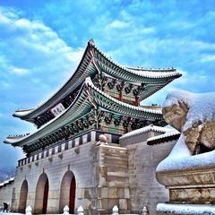 ソウルの観光の定番。光化門。イ・スンシン像と世宗大王像が待ってる。ソウル 旅行・観光のおすすめスポット!