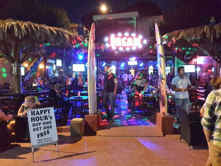 Kusadasi Nightlife Bars and Nightclubs Kusadasi has a lively nightlife and the bars and nightclubs are open till late Some of the famous ones are: Heaven Bar Atelier Bomonti Club Bar Ex Club Captain's House Dream Efes Beer Harward Authentic Bar Pacha Club BarNY Beach Club