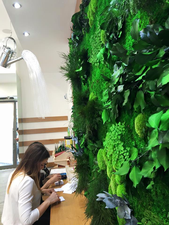 Stabilized Plant Walls and Panels by LinfaDecor. No water, no sunlight, no soil, no leaves fall. Vegetal range of approximately 50 stabilized essences. Exclusively handmade. More: http://bit.ly/PlantWalls #greenwalls #interior #design #plants #green #architecture #exhibit #setting #decoration #handmade #garden #greenlovers #verde #paretevegetale #plantpanels #linfadecor #installation #greendesign #nature #naturelovers