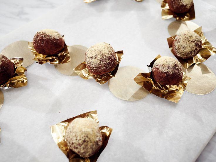 Get this all-star, easy-to-follow Chai Chocolate Truffles recipe from Giada De Laurentiis