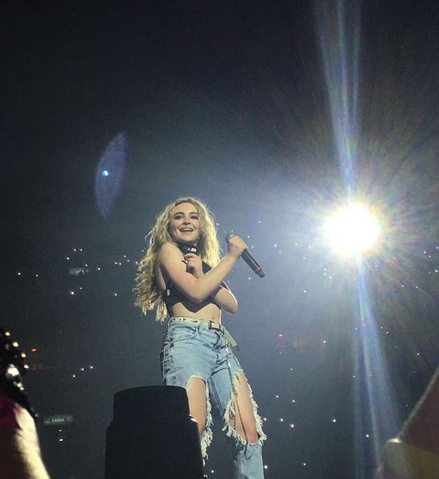 """Newsflash: """"Sabrina Carpenter attacked by moths onstage. Winds up singing half-naked for the rest of her show."""" ❤❤❤"""