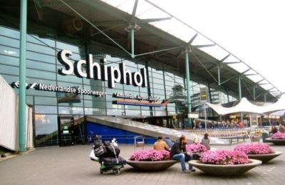 Toate zborurile de pe cel mai mare aeroport din Olanda au fost anulate