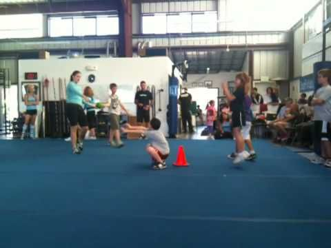 ▶ Team CrossFit KIDS - Power ball game - YouTube