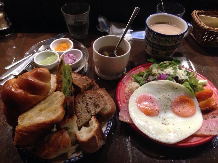ツォップ 贅沢な朝食セット