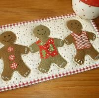 Quilting: Gingerbread Man Mug Rug