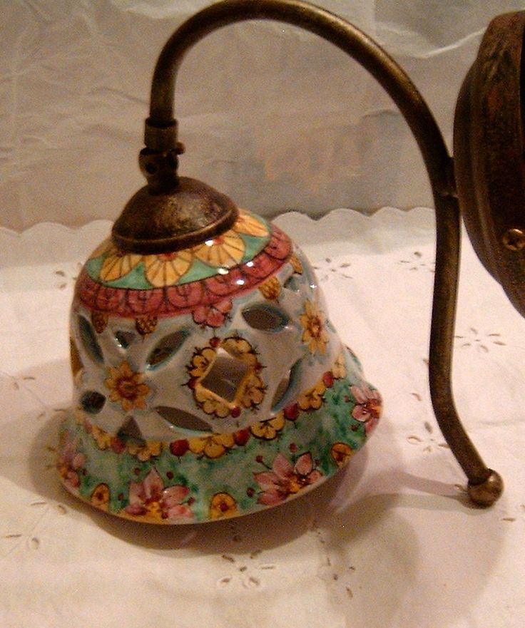 Applique-Lume campanella in ceramica con braccio in metallo anticato., by ilciliegio, 50,00 € su misshobby.com