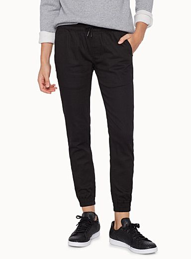 - FairPlay collection from Los Angeles at Twik - The perfect pants for relaxing on casual days - Stretch cotton fabric - Elastic waist with an adjustable drawstring and stretch ankles - Slant front pockets The model is wearing size 26