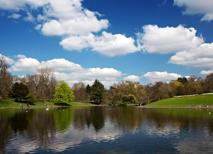 Sefton Park is arguably one of the best known Merseyside parks and is greatly loved by locals. Enjoy a walk around the lake, sit for a picnic on the grass,  or even feed the ducks! This iconic Liverpool park is the place to be when the sun is out.