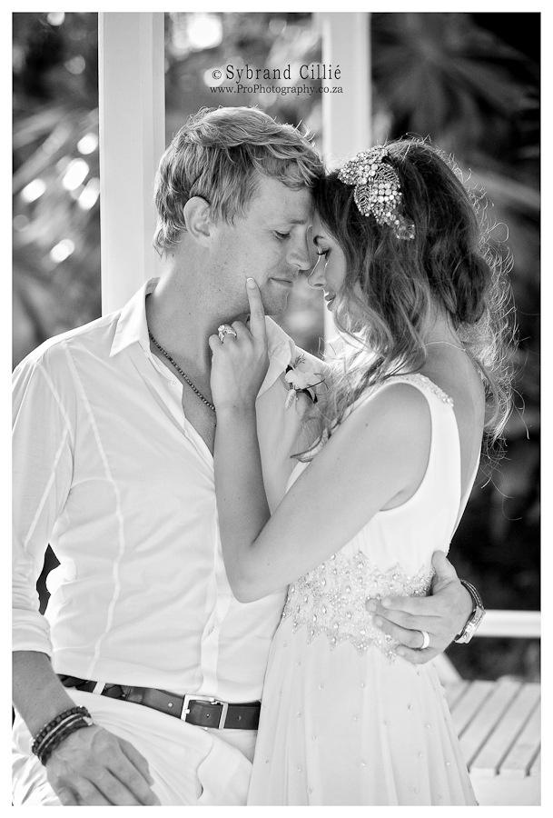 Beautiful wedding photo (Kian Egan & Jodi Albert)