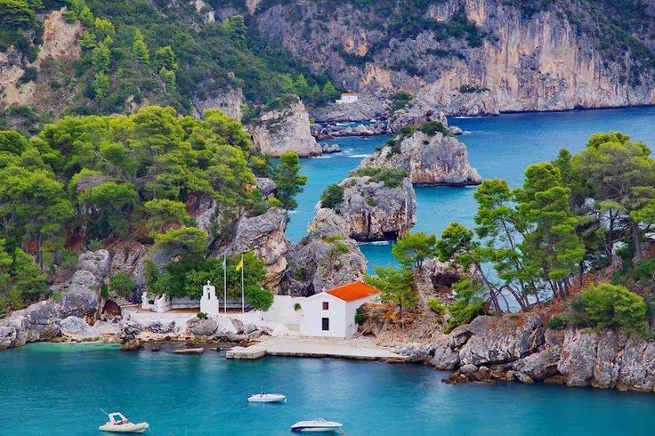 Parga. A place out of a dream....  The #IonianSea is one of the best cruising grounds for yachting! Calm waters, turquoise super clean waters... a pretty nice for your next #YachtingHolidays!