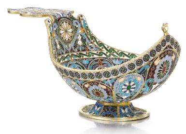 A silver-gilt, cloisonné and plique-à-jour enamel kovsh, Feodor Rückert, Moscow, 1899-1908 - Sotheby's