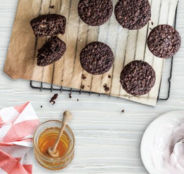 Moreish breakfast bites made with cocoa and coconut for flavour and yoghurt for a moist texture – with no oil or butter and just a hint of honey! Lovingly created by Annabel Langbein.