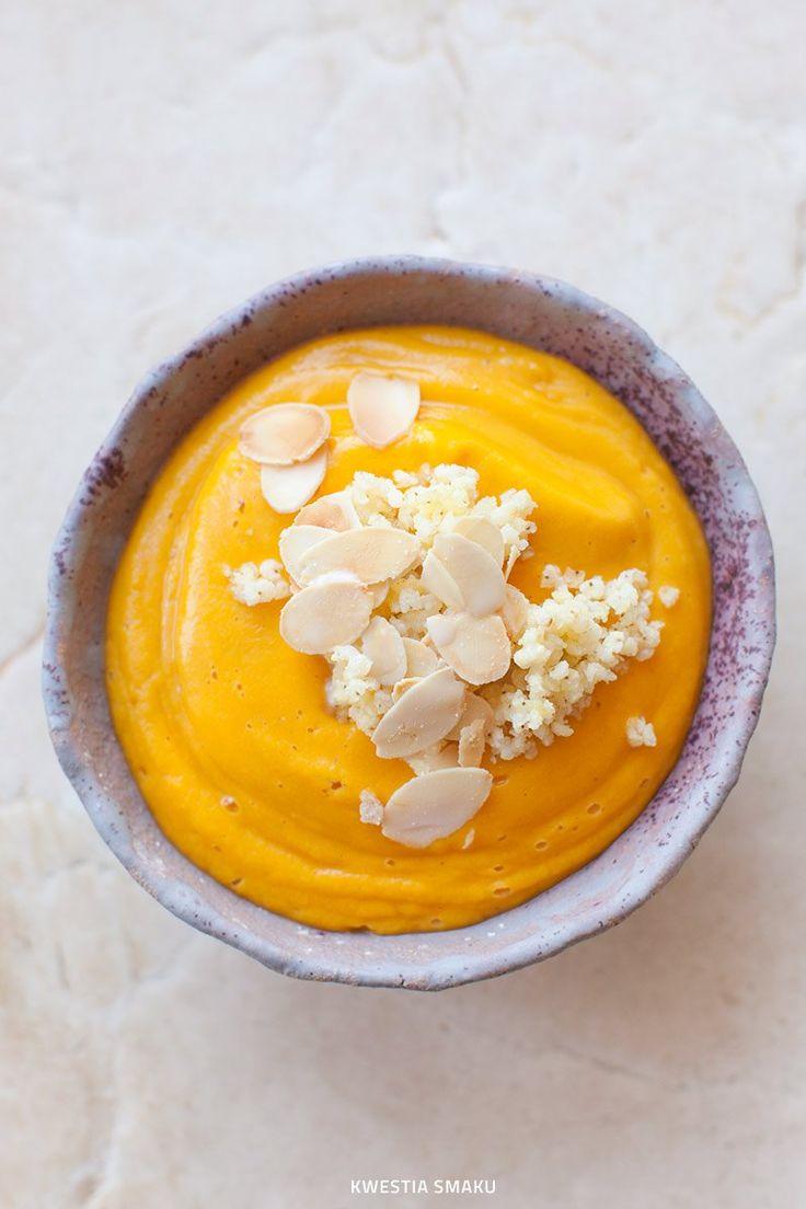 Zupa krem z marchewki z mlekiem migdałowym